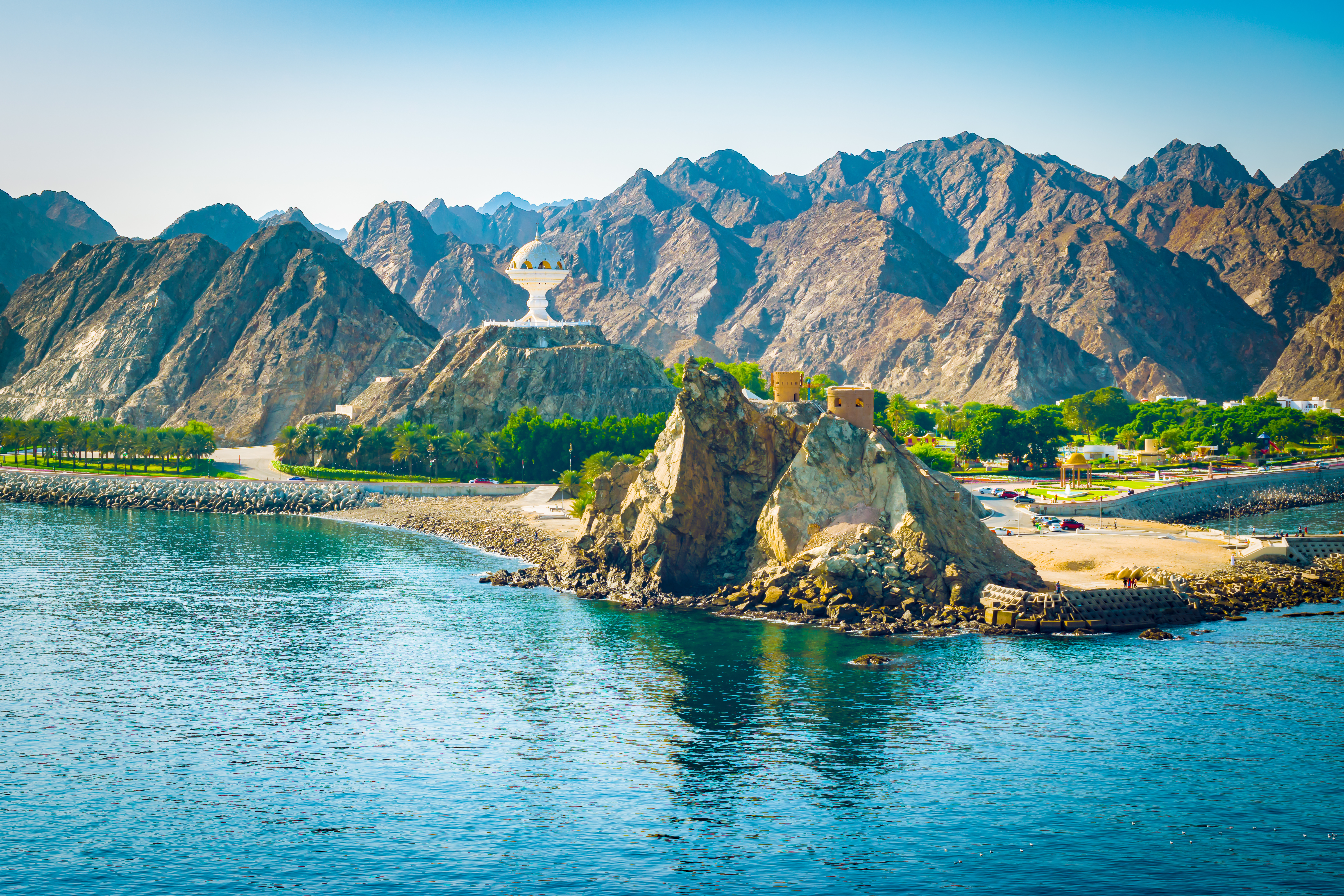 oman in middle east offers stunning holidays